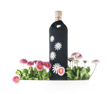 Flaska na vodu sedmokrasky