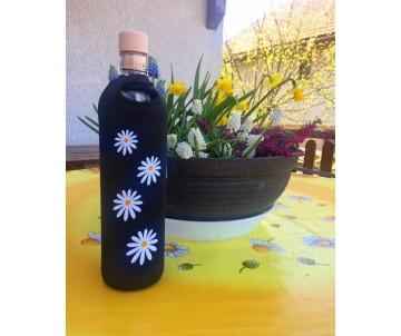 eko flasa na vodu s obalom kvety